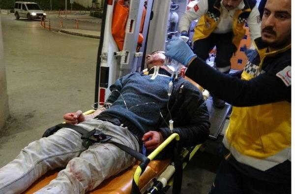 Adana'da Bıçaklı Kavga: 1 Yaralı