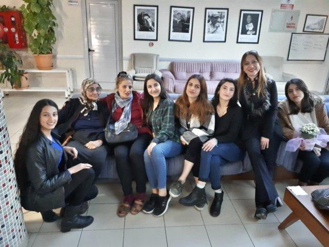 Öğrencilerden Yaşlılara Duygulandıran Ziyaret
