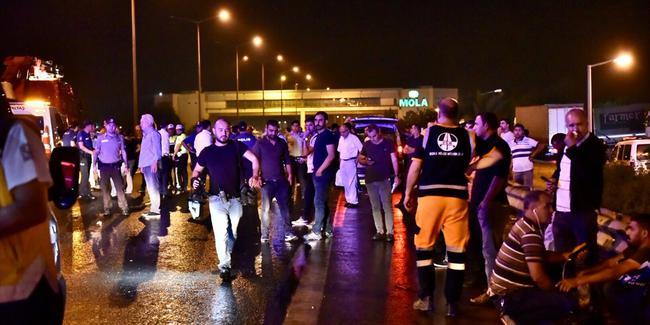 Tarsus-Adana-Gaziantep otoyolundaki zincirleme trafik kazası