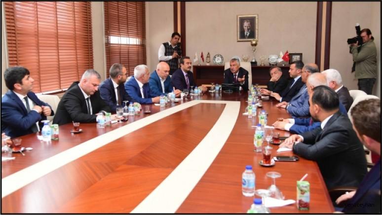 Zeydan Karalar, ilçe belediye başkanlarıyla toplantı yaptı